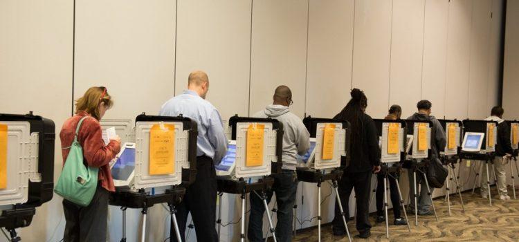 Mejoras en la tecnología son clave para restaurar la confianza en el sistema de votación de los Estados Unidos